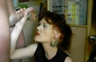 Donna matura con gli occhiali molto abile nelle frasi hard video gratuiti con il grosso cazzo