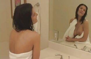 Carino video hard gratis di donne mature pulcino cums da handjob con gomma cazzo su webcam