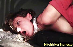 Grande cazzo di ragazzo penetra nella bocca di una giovane ragazza, capelli castani fino a quando lo sperma diventa film luci rosse gratis solido, che scorre in quel