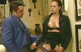 Donna matura in calze cums film porno ghei gratis violenza dalla masturbazione con un vibratore