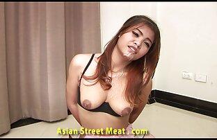 Un giovane ragazzo scopa duro video hard gratis privati una vecchia donna sul pavimento nel suo appartamento