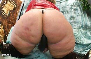 Bionda ottiene il suo squished e gocciolamento film hard gratis figa da dietro