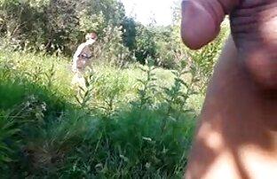 Una donna film porno gratis streaming matura che fa un picnic in giardino con un grosso cazzo di gentiluomini