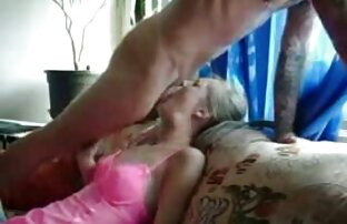 Una coppia di amanti avidi scopare una matura moglie davanti al film video hard gratis marito