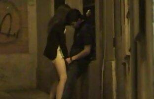 Un uomo sorprende upskirt su una donna, giapponese matura film porno trans italiano gratis e lasciare che il suo doggystyle per fare l'amore