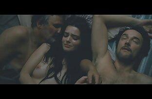 Bellezza video hard amatoriali italiani gratuiti matura in bikini dare un ragazzo in camera da letto per un grande mostro